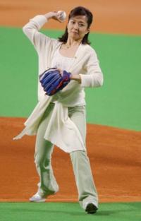 この方は美声の部類に入るんでしょうか?  本日9月15日は現在NHKドラマ「おかえりモネ」でナレーションを務める女優の竹下景子さんの68歳の誕生日 彼女は「純情きらり」でもナレーション務めてたけども