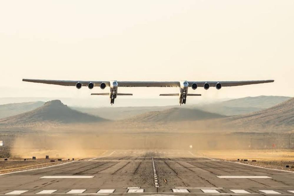 この飛行機合成画像でしょうか