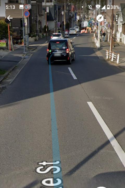 こういう道路沿いのマンションですが、排気ガスで洗濯物汚れますか?片側1車線です。