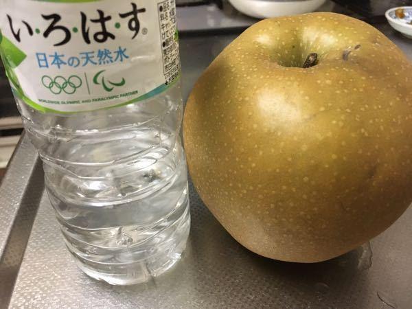 この梨、にいたかっていう神奈川県のなんですが大きいし、もらってから1週間置くといいと言われました。 いつ食べごろか、どこで分かりますか?