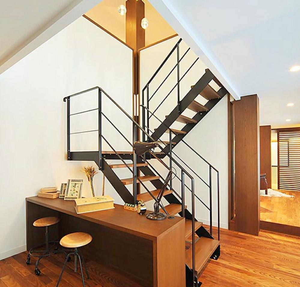 この階段を取り付ける場合、何畳分ぐらいの広さが必要ですか? 回答よろしくお願いいたします。