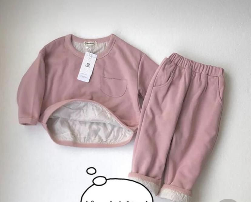 保育園に画像のようなスエットを着せていったら恥ずかしいでしょうか?