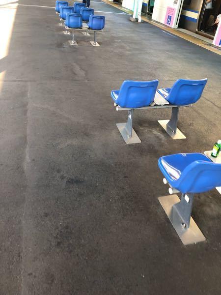 新小岩の座席なぜバスみたい?