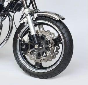 このバイクのトリプルディスクの名前が知りたいのですが教えてください