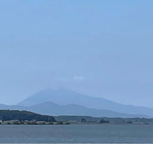 霞ヶ浦から二重に筑波山が見えるこの現象、なんて言うかわかる方いらっしゃいますか?
