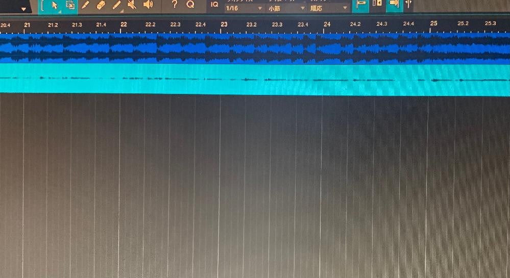 初めて質問するんですが、DAWについてです。 歌ってみたを始めたくて、無償のStudio One 5primeというのをダウンロードしたのですが、録音の際に波形が小さく、音声もほとんど聞こえないです、声を大きくして録音しても小さく音割れしてしまいます。自分はYAMAHAのAG03というミキサー、マイクはNT1_Aコンデンサーマイクを使ってます。 調べてもピンと来なくて、どなたか教えて頂けませんか。別でオーディオインターフェースを買った方がいいんでしょうか、よろしくお願いします。