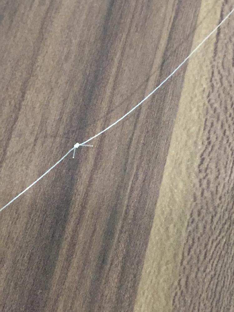 短いラインを電車結びで繋げて長くして、ハリスとして使えますか? 魚に違和感を与えるとかチヌやスズキとか大きな魚が釣れたら切れやすいですか 写真はひとつだけ連結ですが2つや3つ繋げたらどうですか