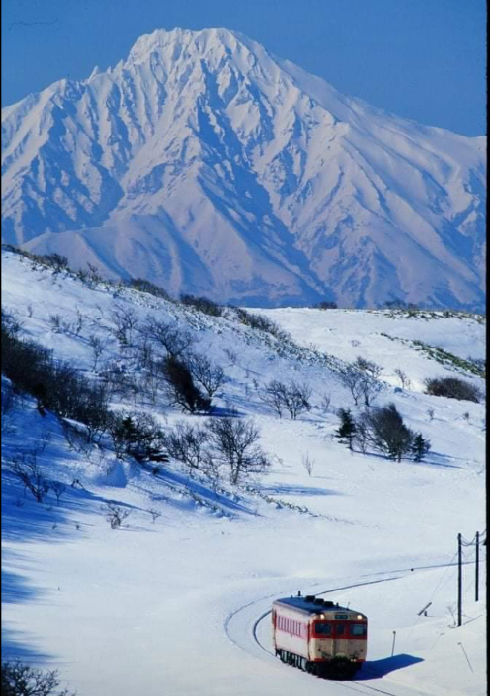 北海道かと思うのですが… こういう沿線景色を堪能できるのは、何線になりますか?