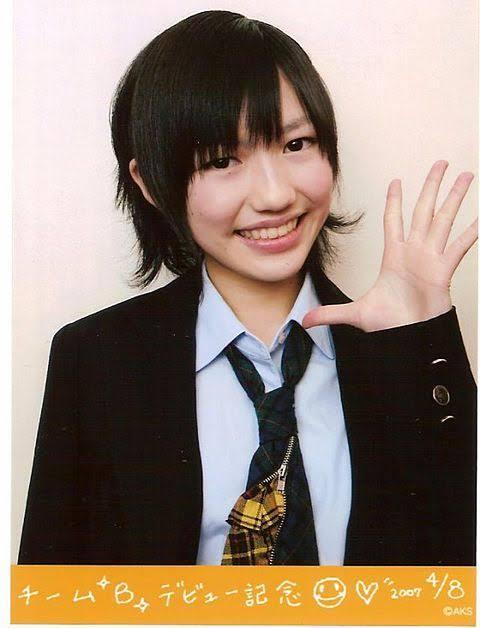 岡田有希子が元某グループのメンバーに似てると言う人は何なんですか? 似てないですよね。