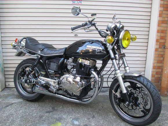 CB223Sを写真のバイクのような外装にすることは可能ですか?