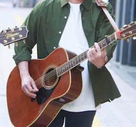 このギターのメーカーと種類を教えてください。
