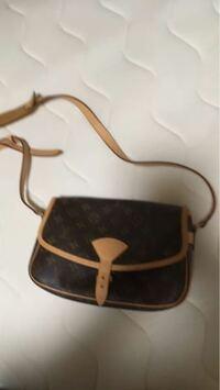 このルイヴィトンのバッグの名称を教えてください