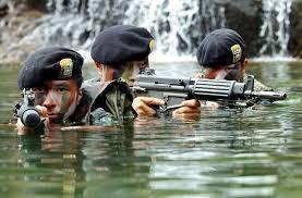 日本も一部の外国みたいに 社会人になる前に全若者に一定期間 軍の教育(兵役)を課していた時代は あったのでしょうか?
