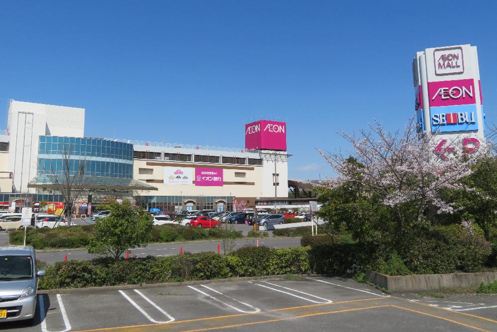 愛知県岡崎市のイオン岡崎から西武百貨店が撤退してしまいました。 茨城県つくば市の「CREO」と同様ジャスコ(現・イオン)と一緒に入っていたのでレアな存在でしたが、現在は神奈川県横浜市戸塚区の「オーロラモール」(こちらはジャスコではなくてダイエーだったイオン)しかない…ということになるのですか?