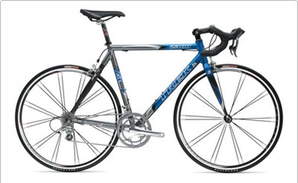 最近カーボンバックの自転車を見かけなくなりました。 約12年前にロードに乗り始めましたが、当時105、アルテグラを乗せた完成車だとカーボンバックかフルアルミがほとんどでしたが、その当時のロードバイクを見かけなくなりました。 どうしたのでしょう。 ちなみ画像は当時、自転車屋から勧められたTREK2300だったかな? 結局クロモリバラ完したけど。