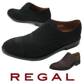 ビジネスシューズとして画像のようなスエードシューズはアリですか?ナシですか? 因みに職種は接客業です。 革靴も勿論所持していますがスエードシューズを履いて仕事をすると少しは楽かなと思いました。 スーツの色は黒、紺、グレーを所持していますので、黒色なら合わせやすいと思いますが、そもそもスーツにスエードシューズを履いていいのか分からないです。