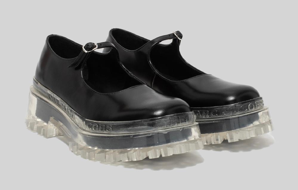 12月のカナダにこの靴で行っても大丈夫ですか? また、他におすすめの靴があれば教えて頂きたいです。デザイン重視でお願いします。