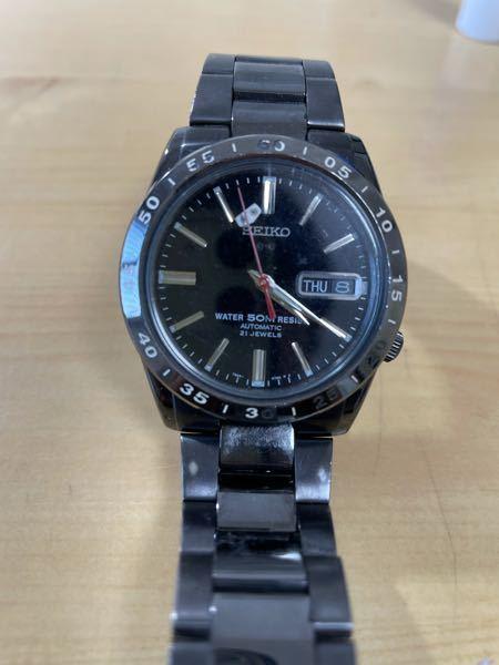 写真の時計のガラス内の部品が落下の衝撃で外れてしまいました。修理代はどれぐらいになるか分かりますか?