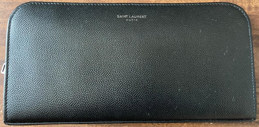 このサンローランの長財布が売っている公式ホームページのリンクを貼って頂きたいです。