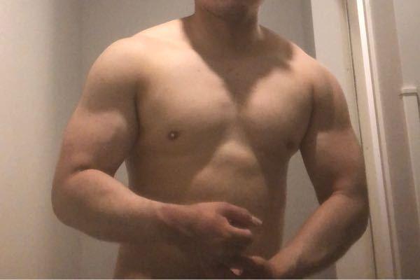 体脂肪率28%の体に見えますか? よろしくお願いします