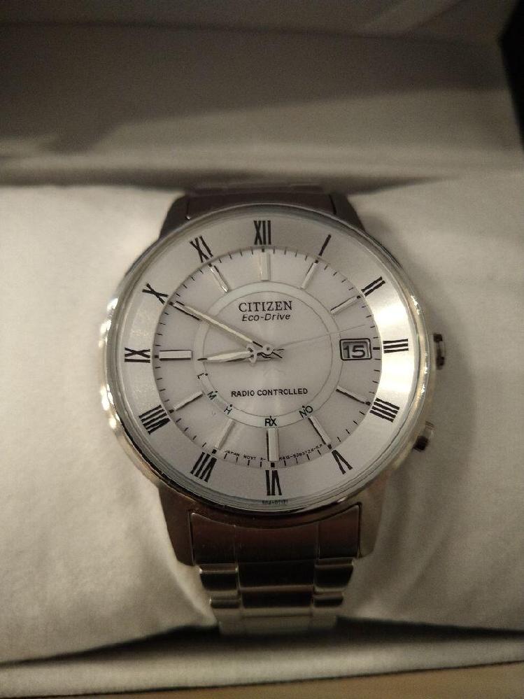 この腕時計付けてたらどう思いますか?
