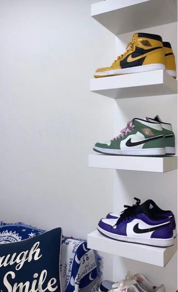 この靴を飾る棚?のようなものわかる方いますか?