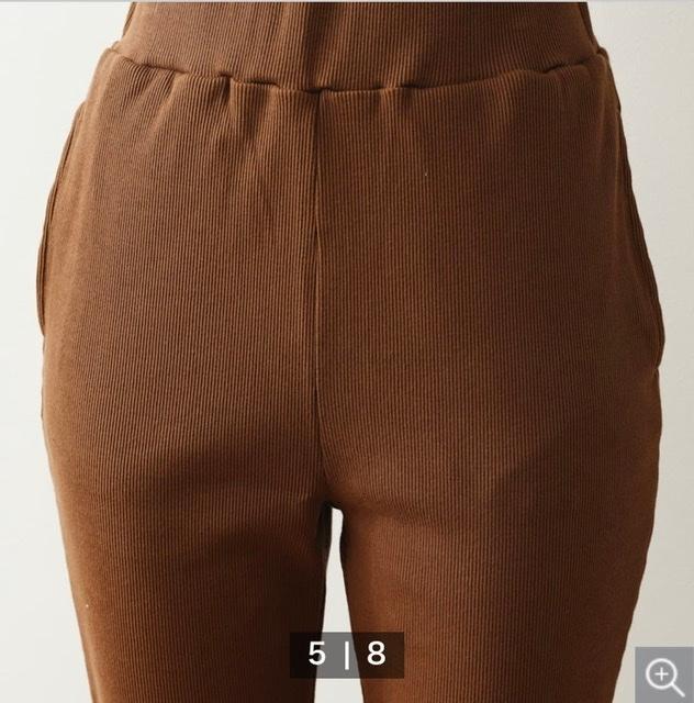 コットン71 ポリエステル29の写真のような服って新宿性はありますか?あったとしてもそこまで伸びないのでしょうか?