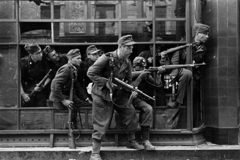 ナチス武装親衛隊SS第36師団のテレルヴァンガーは刑務所の受刑者が刑期を短くする目的で志願したのですか?