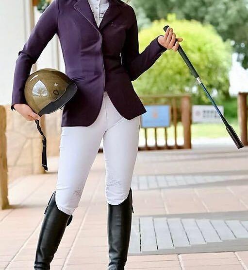 乗馬、馬術について。このジャケットの色、変ですか?