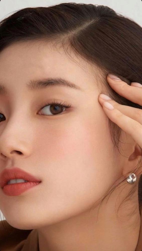 韓国のモデルさんだと思うのですがどなたかわかる方教えてください!