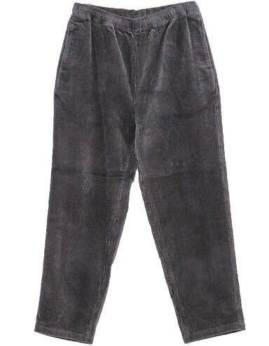 至急)このグレーのコーデュロイパンツは着回ししやすいと思いますか? 黒以外が欲しかったのですが、生成りなどの色が使いやすいでしょうか? 似たような質問すみません。