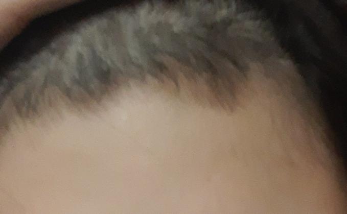 前髪の内側を切ってしまいました… 誤魔化す方法ってありますか…?