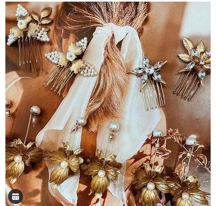 結婚式で、添付写真のようなリボン?をポニーテールに巻きたいのですが、ウェディングドレスには合わないでしょうか? また、このようなリボンはどこで買えるかわかりますか?