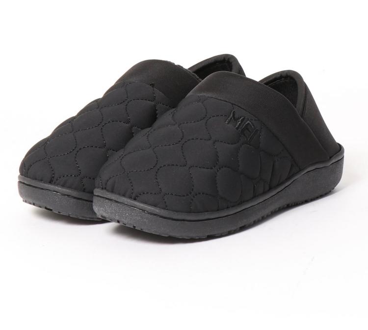 80代越えているおばあちゃんに靴をプレゼントしたいのですがモックシューズは危ないですか? 普段からスニーカーを踏んで歩く時があり、それなら踏めるスニーカーをと思って探していたのですが、危ないでし...