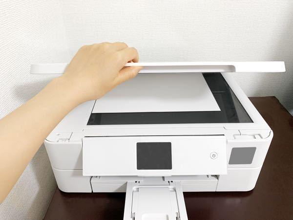 コピー機?プリンター?について コンビニにあるように、分厚い本などを挟んでコピーができる家庭用のコピー機が欲しいのですがなんと検索すればいいでしょうか? スキャナーですか? こういうのです