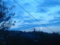 中秋の名月というのはどういう点で名月と言われているのですか。 確かに其の時に見た月は何かみかん色?で凄く綺麗でした。 春夏冬だとこういう事はないのでしょうか。  ≪中秋の 名月だとは 成る程と≫  写真...
