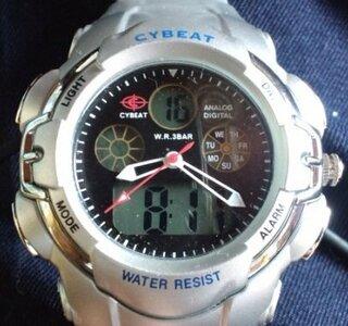 cybeat 腕時計 アラーム の 止め 方