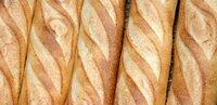 フランスパン 美味しいパン屋を知ってますか? 以前は『サンメリー』で買ってたのですが、近くの店舗が無くなり いまはスーパーの『OK』で毎日フランスパンを買ってます。 東京、埼玉で病み付きになSるような ...