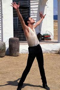 マイケルジャクソンの大ファンです。ファンの方に質問です。マイケルの衣装の中で好きな衣装は何ですか?