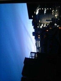 本日19時過ぎ頃、埼玉県さいたま市大宮区より北西の方向に不気味な雲を発見しました。地震雲なのでしょうか?昨日は母親が勤めている埼玉県内の亀が、普段はおとなしいのに激しく動いていたそうです。