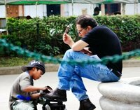 プロカメラマンに、海外では高いカメラ取られないように気お付けてね!と言われたけど、怖い思いしたことある?