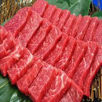 牛の焼き肉用のカルビの100g当たりの脂質、蛋白質量を教えていただけませんでしょうか? 写真の様な赤身のカルビの値が知りたいです。  どうかよろしくお願いいたします。