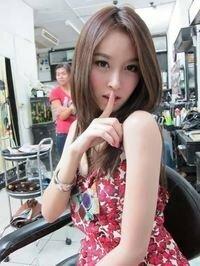 この可愛い人は誰?       タイのニューハーフさんです。