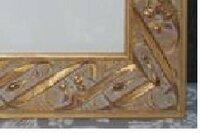 油絵の額縁のカビをきれいに取る方法を教えてください。 模様掘りの金色塗装の木製額の模様部分(凹凸)に緑色のカビが付着していて中性洗剤を付けて麺棒で軽く拭き取ったところ、中々きれいになりません。強く擦...
