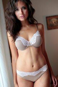 中南米のコロンビアにはとにかく美人が多いとよく聞きますがこの写真のレベルの女性が街ウヨウヨいるのは本当なんですか? (写真:コロンビア出身のモデル)