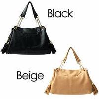バッグが欲しいのですが ほぼどんな服でも合う バッグの色と形などを教えて下さい。  今候補にあがっているのは このバッグなのですが 何色が良いでしょうか?