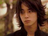 2008年に公開された『ごくせん the movie』に何故松本潤演じる沢田慎は出演していないのでしょうか?  2008年公開ということで『花より男子F』の撮影とかぶって忙しくて出演できなかったんでしょうか? でも、小...