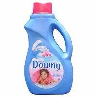 アロマジュエルについてお聞きします。 今、洗剤は、ふんわりニュービーズ 柔軟剤はダウニー エイプリルフレッシュ を使っているのですが、全然柔軟剤の匂いがしません。  そこで、アロマジュエルは匂いが強い と...