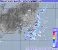 今の関東地方のレーダーです。 編隊のような雷雲はどういう事象なのでしょうか?