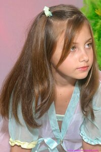 この少女の名前を知っていたら教えて下さい。